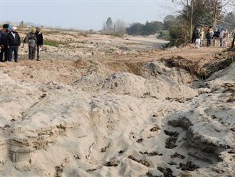Plundering Sutlej sand