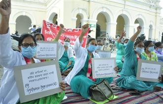 Health workers on fast unto death in Patiala