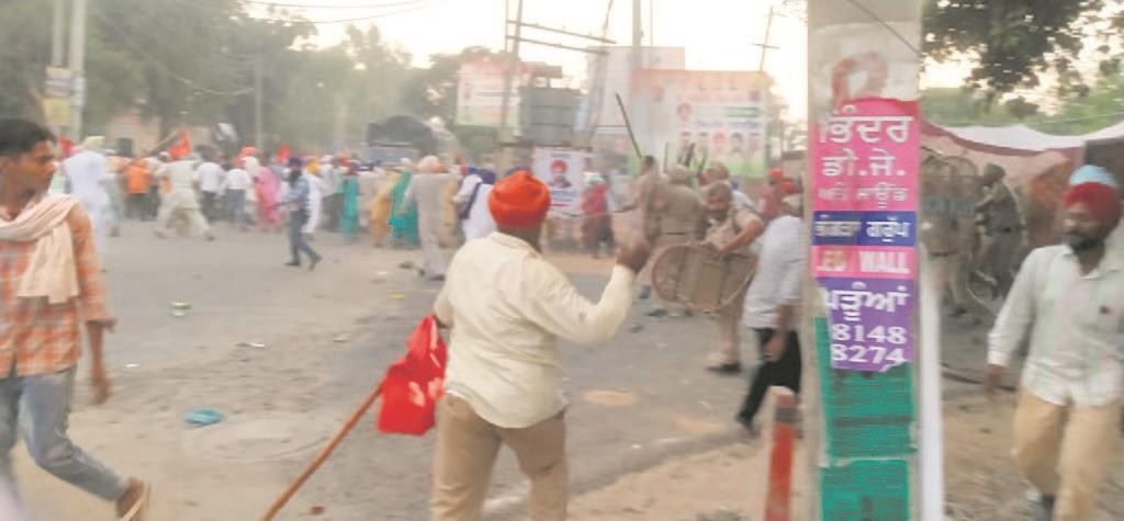 Protesters, cops clash near Punjab CM house in Morinda; DSP among 4 hurt