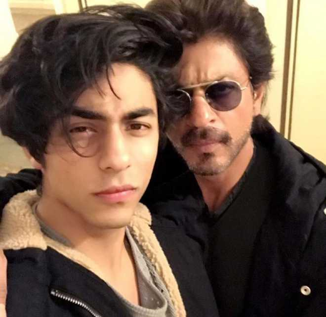 NCB official demanded Rs 25 crore from Shah Rukh Khan to release his son Aryan, alleges witness ; agency denies claim