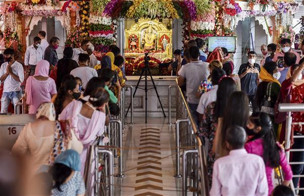 Temples in Delhi open for Navratri under strict Covid-19 rules