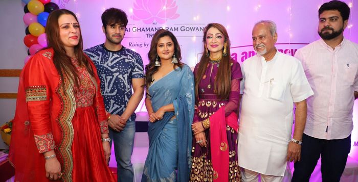 Rashami Desai and Pearl V Puri attend Garba and fancy dress competition for cancer patients