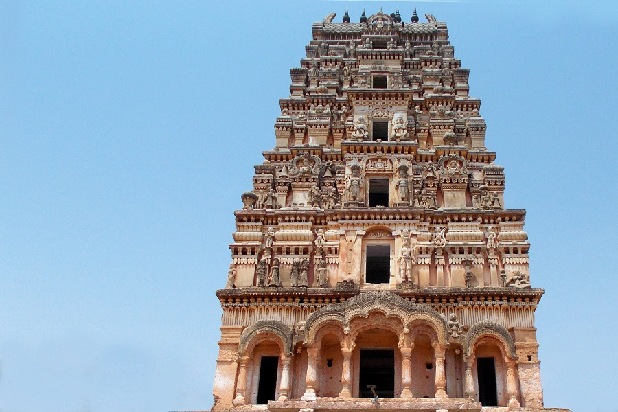 Andhra temple decorated with Rs 5 crore currency notes