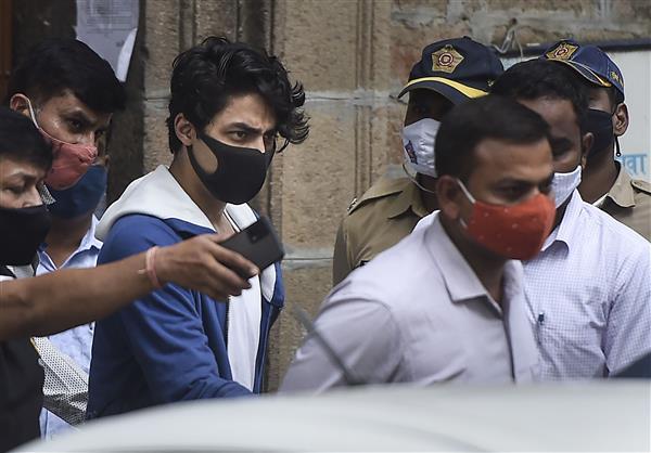 Aryan Khan bail hearing: Shah Rukh Khan 'trying desperately', mother Gauri is 'devastated'