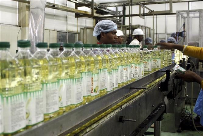 Centre imposes stock limits on edible oils