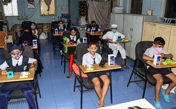 Ensure no staff allowed without at least 1 Covid vaccine dose: Delhi govt to private schools