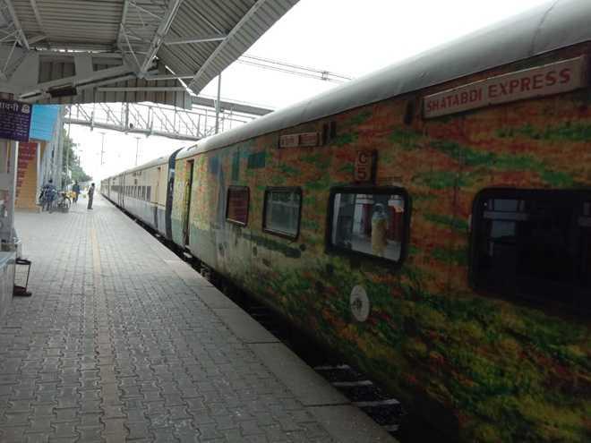 Stones thrown at Shatabdi Express in Punjab, 3 passengers injured
