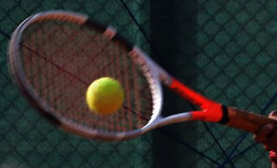 Upsets dominate 4th round at Indian Wells; Swiatek out