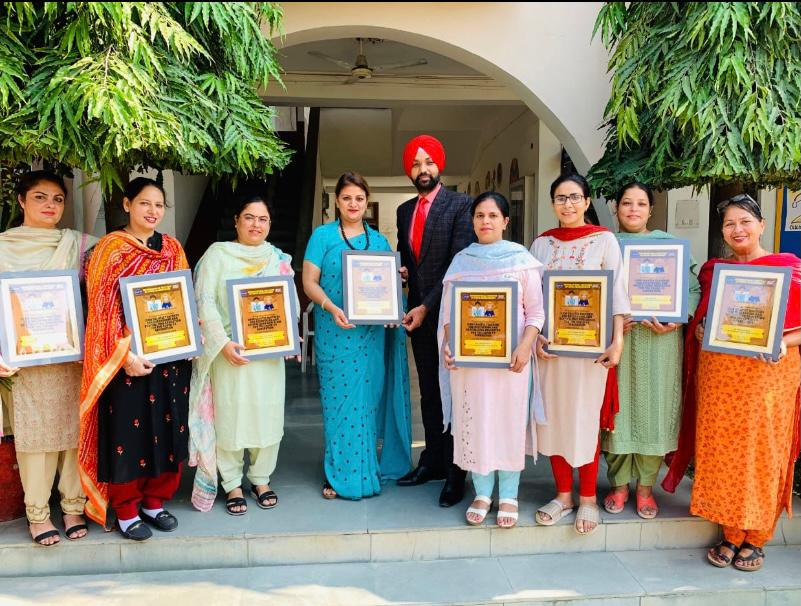 Principal and teachers Sri Guru Harkrishan Public School felicitated