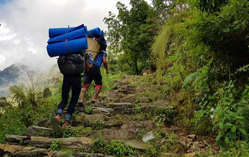 Bodies of five tourists who were trekking from Uttarkashi to Chitkul found; two rescued