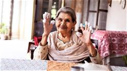 Celebs mourn demise of veteran actress Farrukh Jaffar