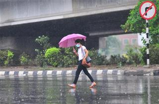 Clear sky for Delhi-NCR, IMD predicts rainy weekend