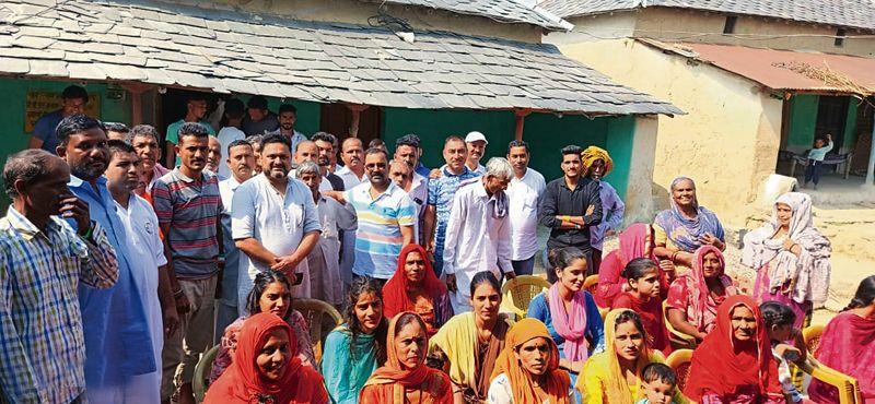 Triangular contest expected in Fatehpur