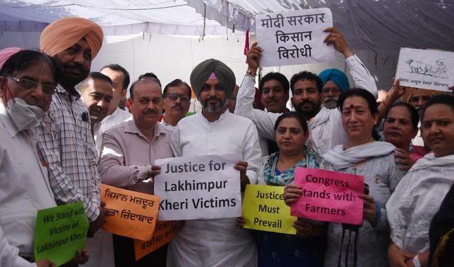 Lakhimpur Violence: Cong leaders observe 'maun vrat'