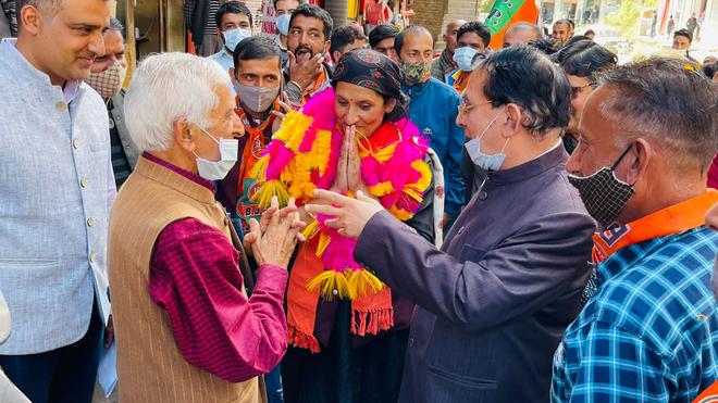 Development is BJP's weapon against Cong, says Suresh Bhardwaj