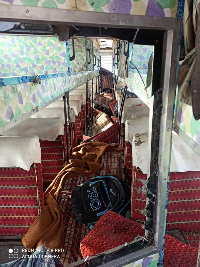 Bus overturns on Kundli-Ghaziabad-Palwal Expressway; 15 injured