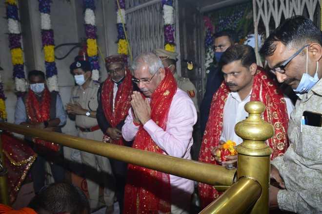 Himachal Governor visits Nagarkot Dham Mata Brijeshwari Temple