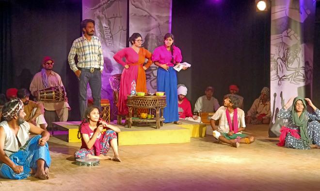 Amritsar: Art, emotion come alive on Virsa Vihar stage