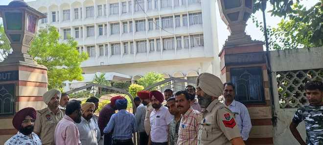 Defaulters on radar: Tax not paid, Amritsar Municipal Corporation finally begins sealing buildings