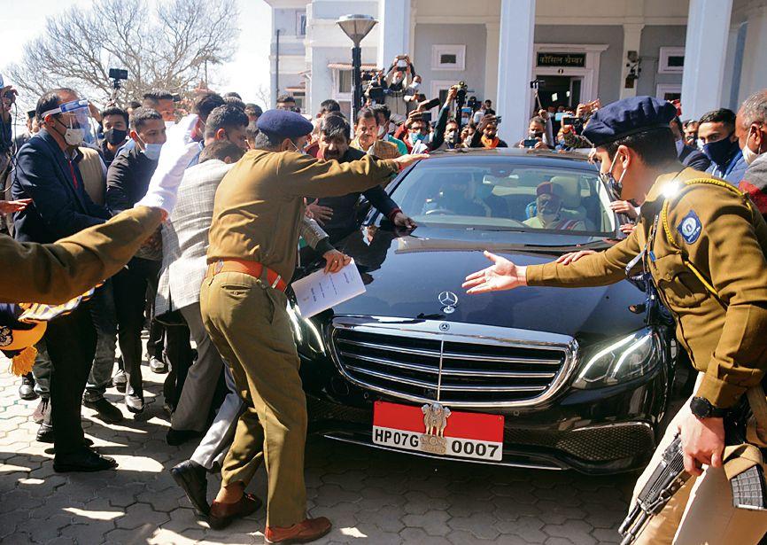 HP Governor 'manhandled'