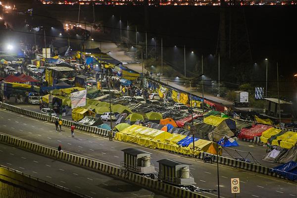'Chakka jam': Entry, exit gates at multiple metro stations closed in Delhi