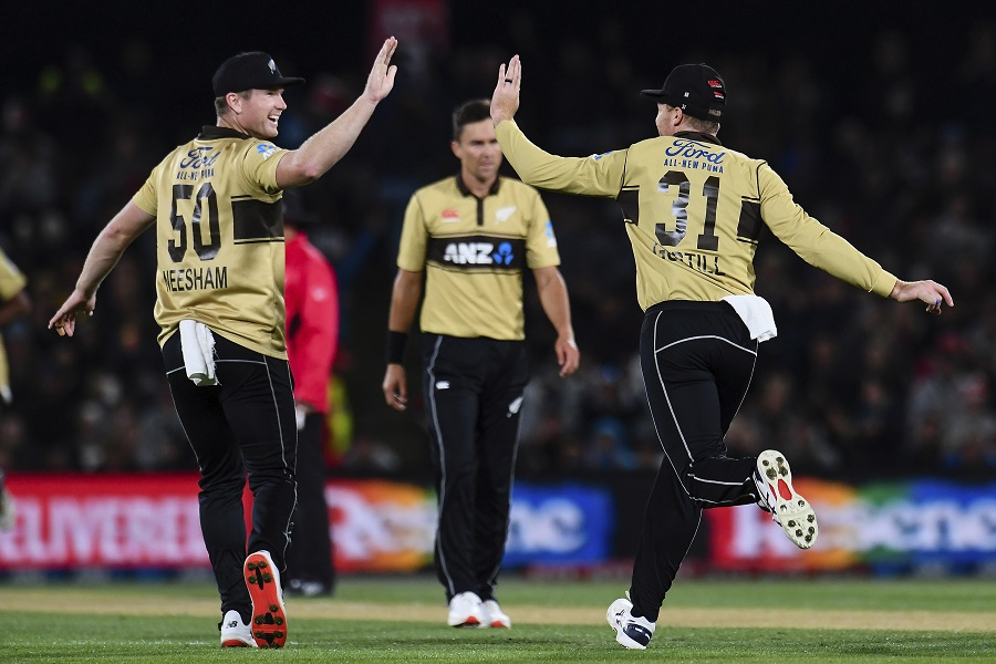 Conway powers New Zealand to victory