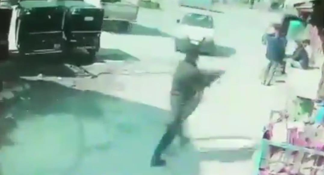 Caught on CCTV, 2 cops killed as militant opens fire at police in Srinagar