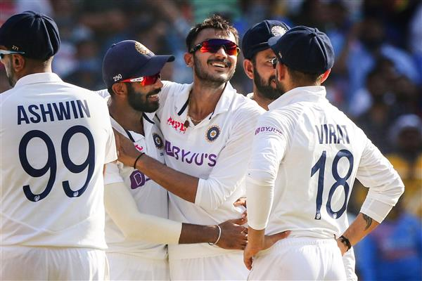 Pink Test: India end Day 1 at 99 for 3 in reply to England's 112