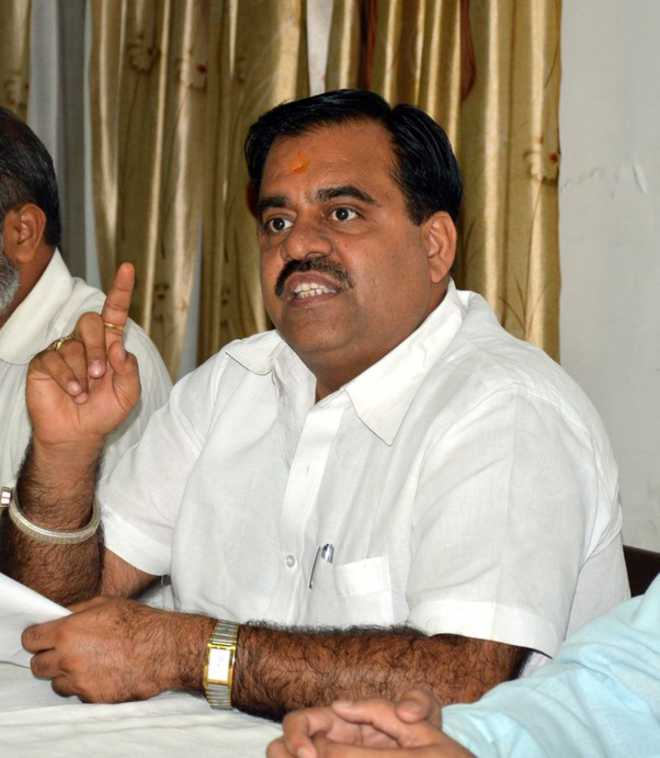 Amarinder 'unleashing reign of terror' ahead of civic polls: BJP's Tarun Chugh
