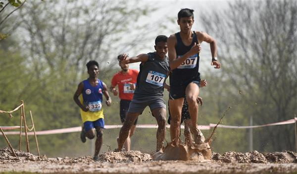 Parasappa Hajilol, Sonika claim cross country titles