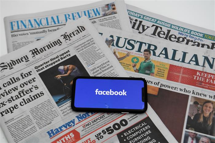 Facebook blocks Australians from accessing news on platform