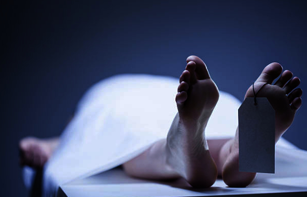 Woman spends night besides son's body thinking him to be alive