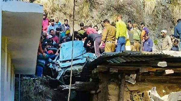 Three of family dead  as car falls into gorge
