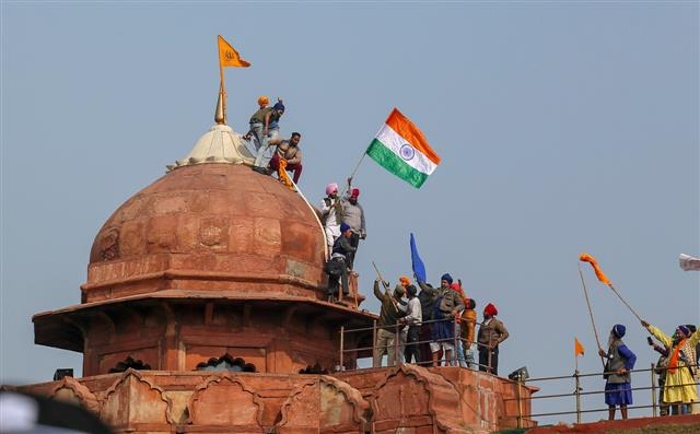 R-Day violence: Man who climbed Red Fort tomb arrested