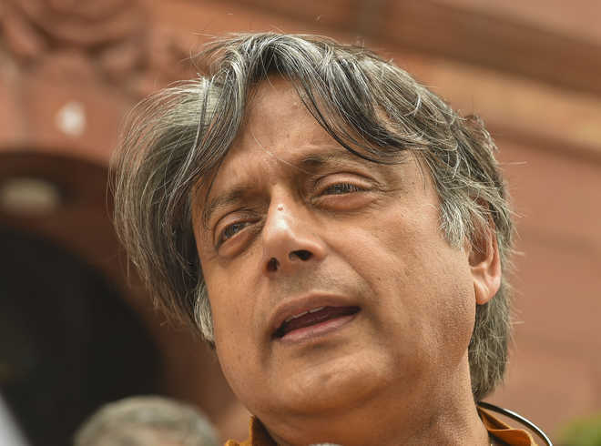 SC grants protection from arrest to Tharoor, Sardesai in connection with RD violence