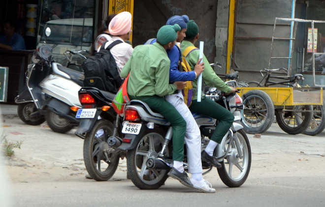 90 challaned for underage driving by Ludhiana traffic police