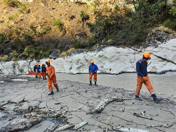 Navy team measures depth of glacial lake in Uttarakhand's Tapovan