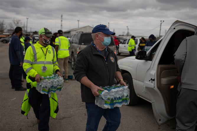 US hospitals confront water shortages in winter storm aftermath