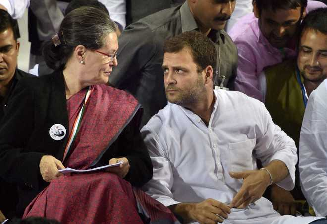 Delhi High Court seeks reply from Sonia, Rahul on Swamy's plea to lead evidence in National Herald case