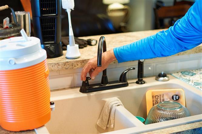Over 7.9 million Texans still facing disrupted water supplies