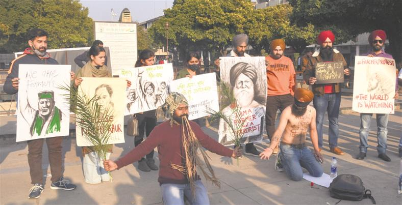 At Sector 17, Chandigarh, art on farmers' resistance takes centre stage