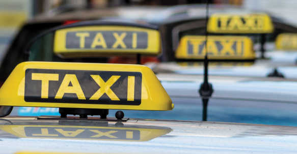Farmers' protest: Ex-sarpanch starts free taxi service to Delhi