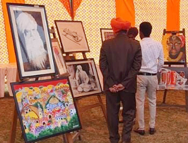 Paintings add flavour to sahitya utsav