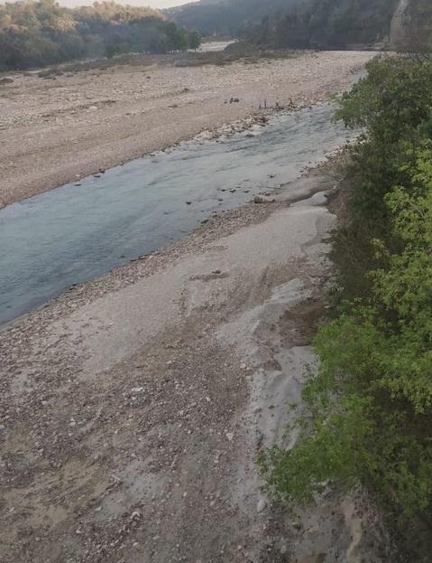 Panchayat opposes land lease for mining along Neugal river