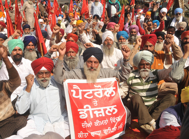 Repeal farm laws, roll back fuel price hike: Left parties