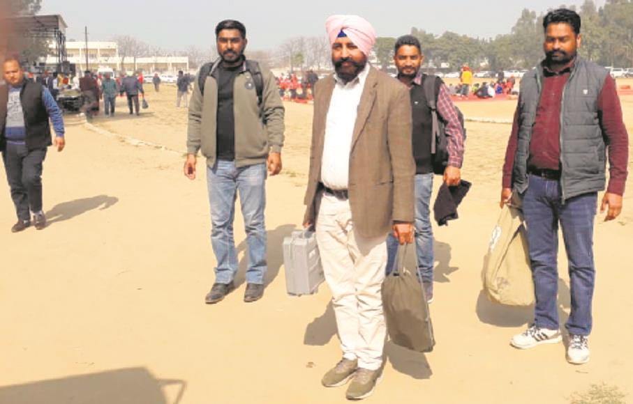 Election staff reach polling booths in Patiala district