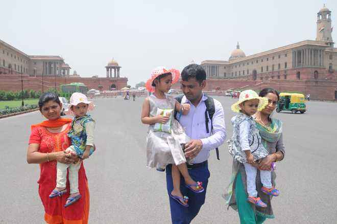Mercury likely to rise by three to four degrees in Delhi