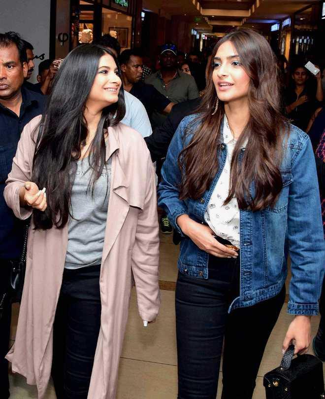 Sonam Kapoor misses soulmate sister Rhea on her birthday, pens a heartfelt note