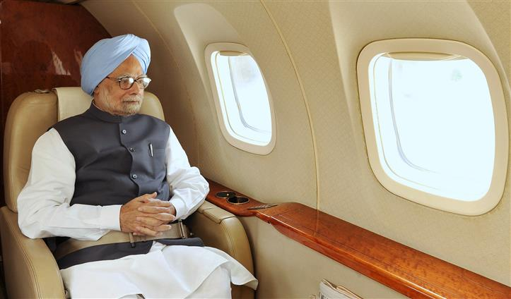 "Unemployment high in India due to govt's ""ill-considered demonetisation decision"": Manmohan Singh"