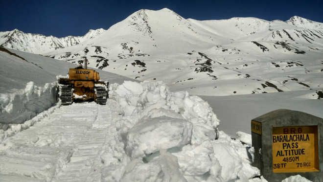 Government rushes to open Ladakh roads